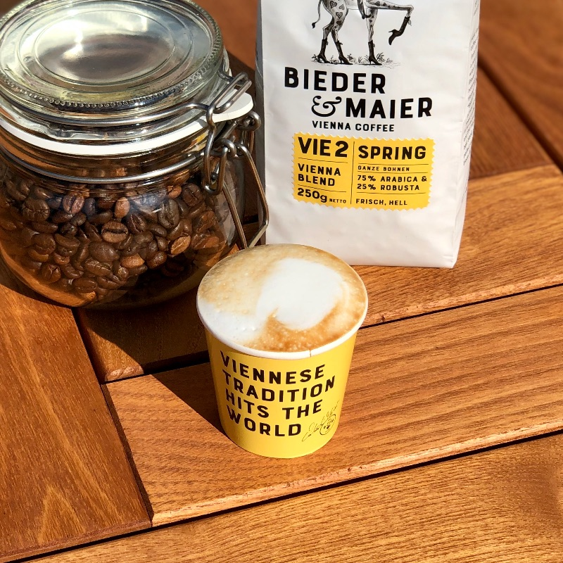 "Espresso Macchiatto / 8g Bieder & Maier ""Spring"" with steamed Milk /small cup/"